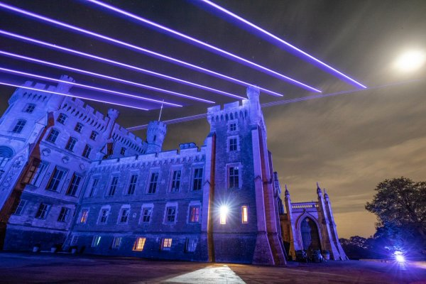 Belvoir-castle-christmas-lazer-light-show